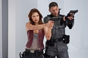 Chris e Claire em Resident Evil 4: Recomeço