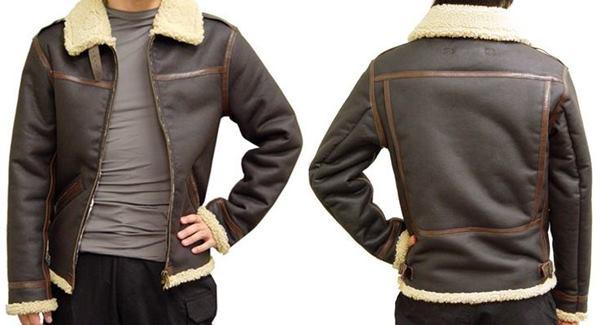 Capcom vai lançar réplica da jaqueta de Leon em Resident Evil 4